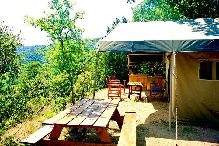 Safari Lodge tent with a view