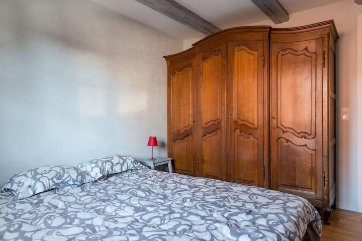 Chambre avec 1 grand lit ou 2 x 1 personne