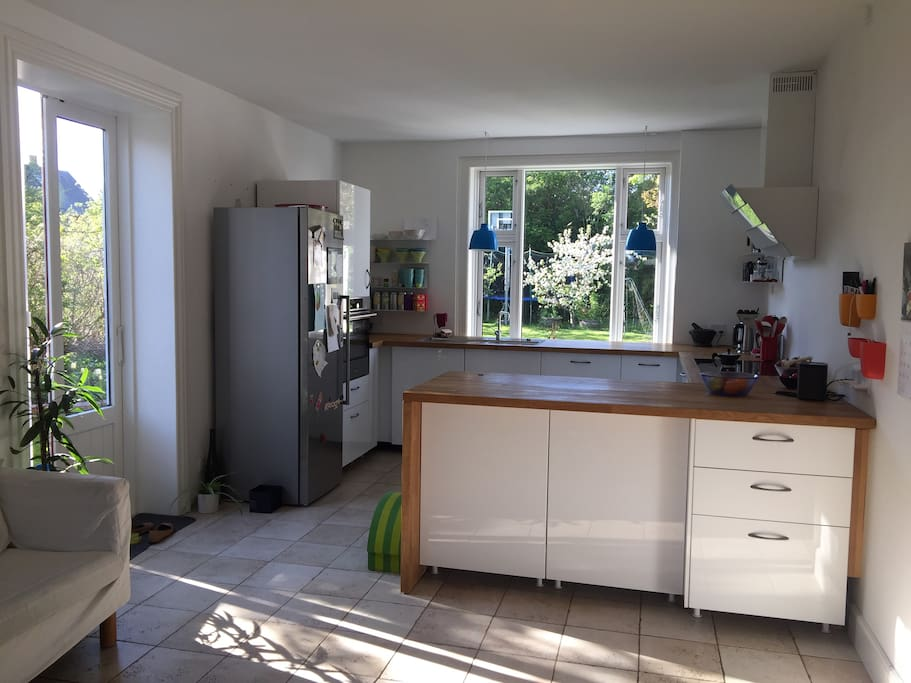 The kitchen with a view of the garden