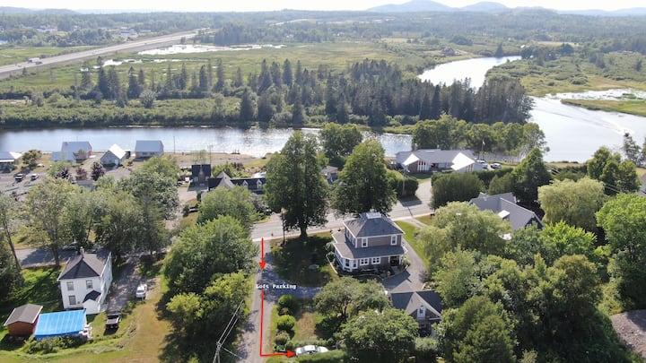 """Riverview Guesthouse """"The Loft"""""""