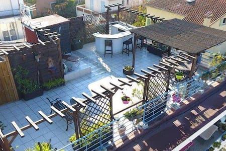 Chambre d'hôte avec toit terrasse - Villeneuve-Loubet