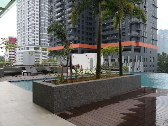 Studio Skysuites Johor Walk JB City JBCC CIQ R&F