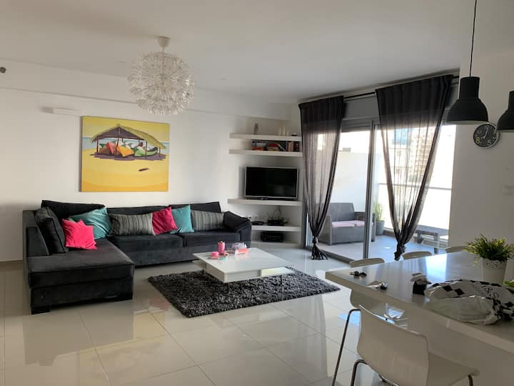 Tel Aviv Beach 4 double bed flat