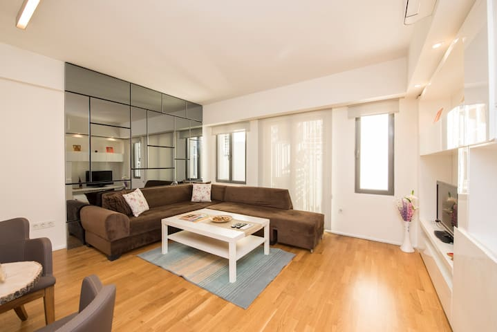 Safe and Modern Flats W Terrace @ Taksim No:3