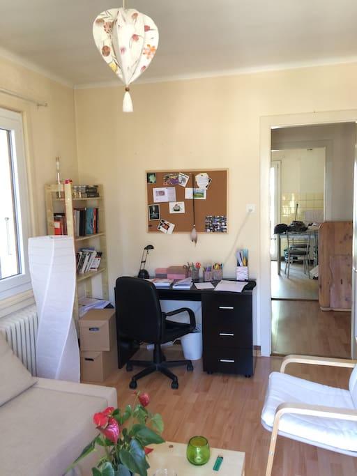 Living room - bureau