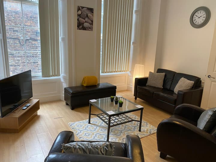 NEWCASTLE CITY CENTRE ONE BEDROOM APARTMENT, GREAT LOCATION To ENJOY THE CITY