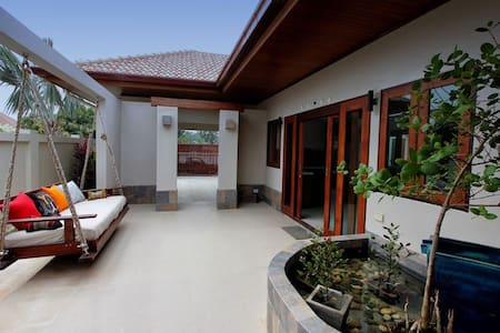 Aroha Pranburi, enjoy your own private pool