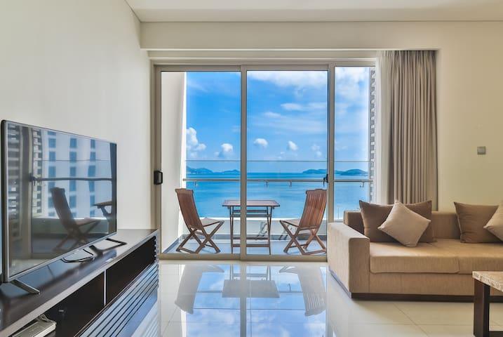 Luxury Seaview one-bedroom 5*stars building