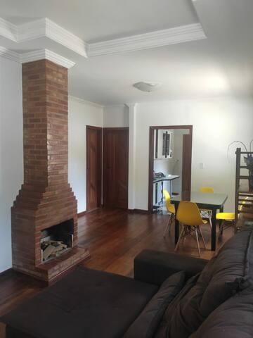 Casa no Centro de Domingos Martins - Com garagem