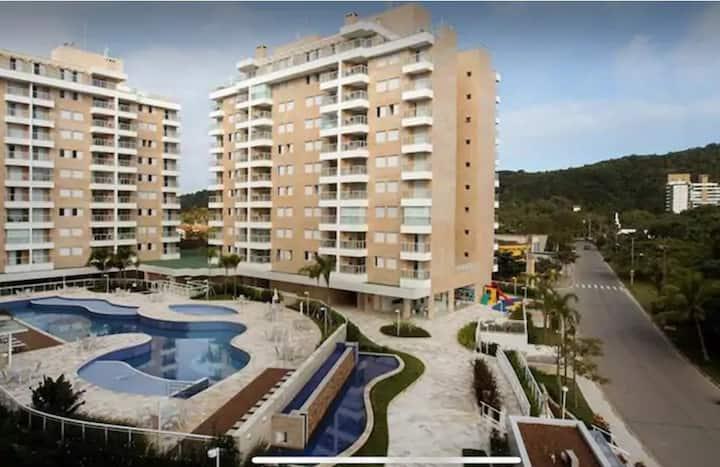 Lindo apartamento em São Lourenço, Riviera