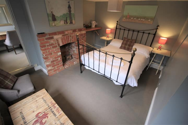 Double Ensuite Room @The Carpenters Arms