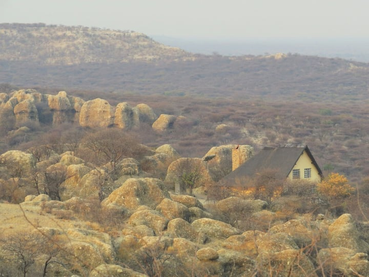 BaseCamp Namibia, Outjo, Thatched House