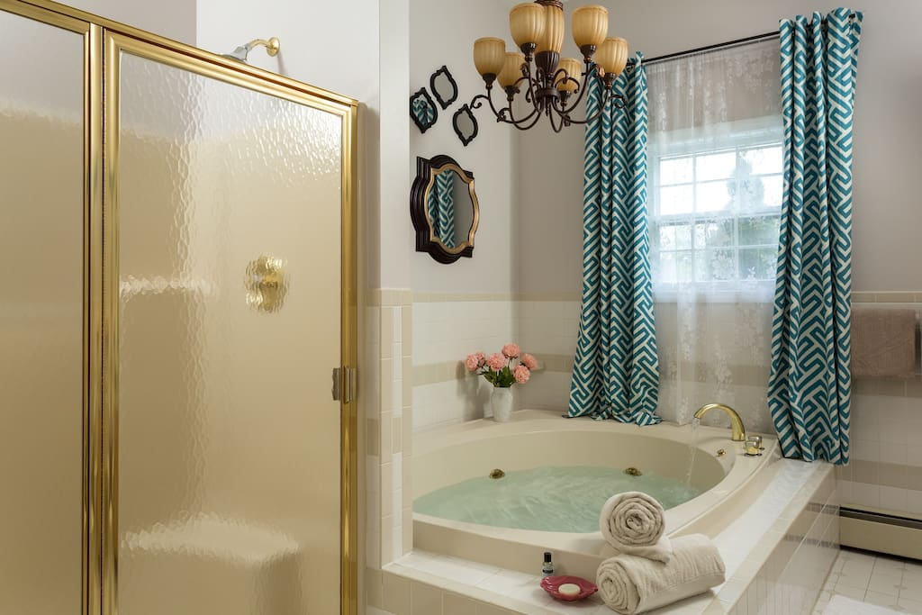 Private bath including large Jacuzzi!