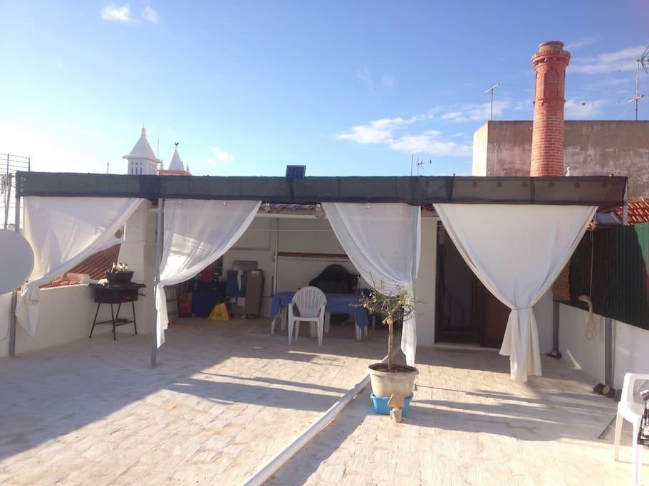 terrasse sur le toit avec vue sur la mer