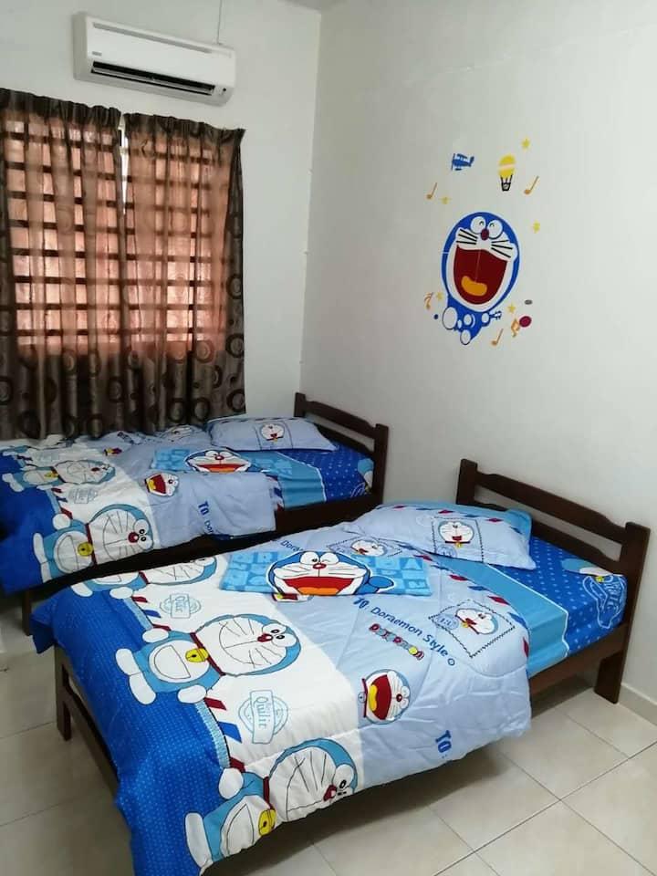 B'W Homestay(Doraemon Deco)