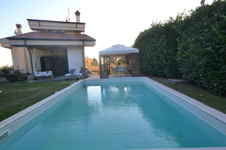 Bright villa with private pool close to Rome - Albano Laziale - Vila