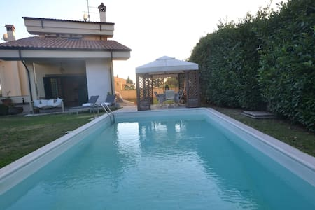 Bright villa with private pool close to Rome - Albano Laziale