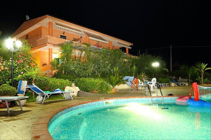 Appartamenti in Agriturismo vicino Tropea