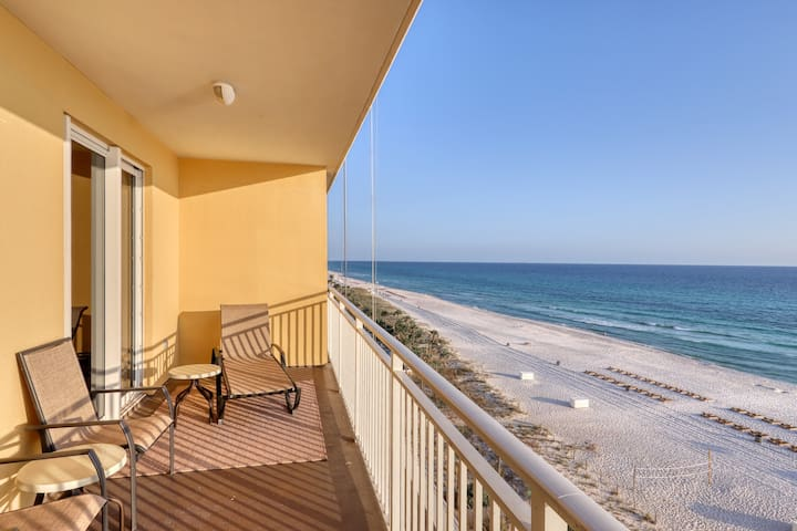 Condo w/ beach view plus a shared pool - walking distance to the beach!