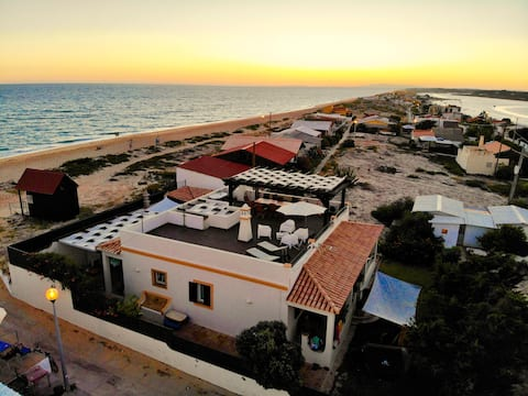 Faro Beach House (with big Kayak and 2 bicycles)