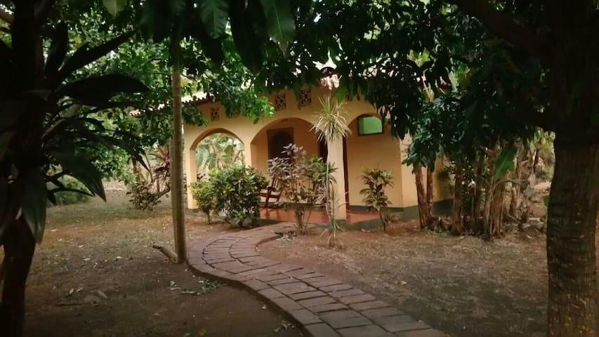 Nica Surf Bungalow - Aposentillo - Bungaló