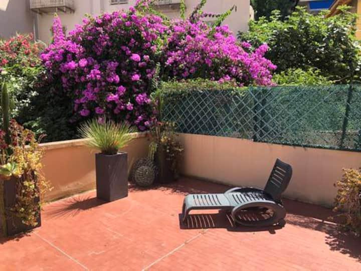 Votre terrasse au Port de Nice