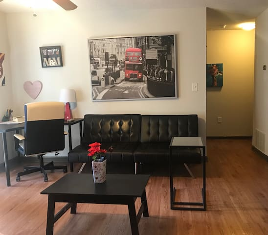 Entire home in Decatur [PRIVATE]
