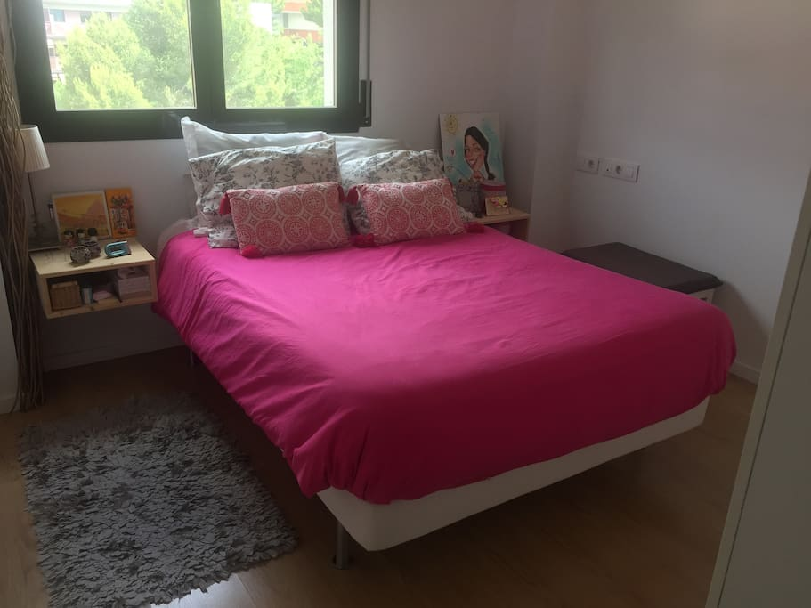 Comfortable bed - 135 cm