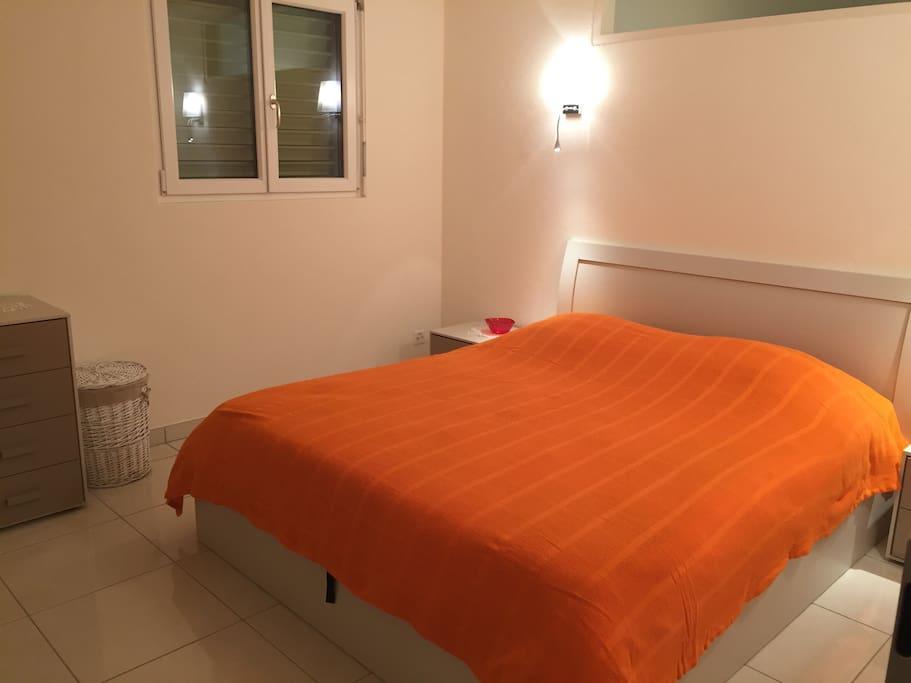 Camera da letto spaziosa tipo suite