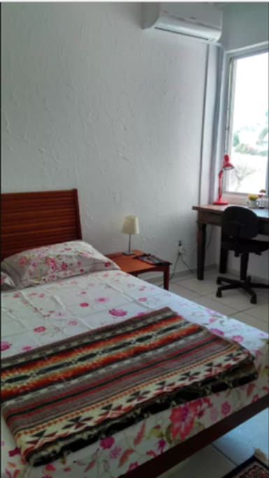 Quarto de casal/ Double bedroom