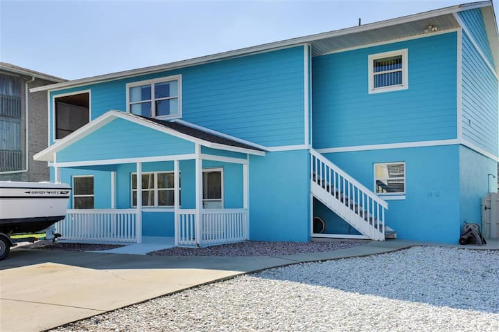 New Smyrna Beach Apartment w/ Ocean Views!