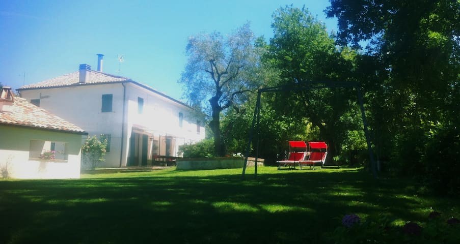 Rural house in immediate surroundings of Pesaro