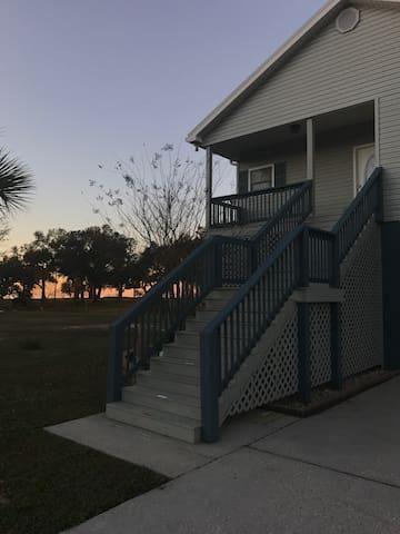 Huge 3 Bedroom Beach House - Waveland - House