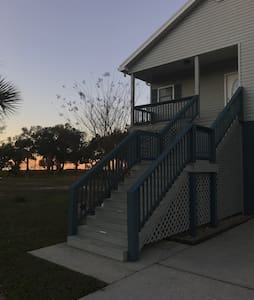 Huge 3 Bedroom Beach House - Waveland