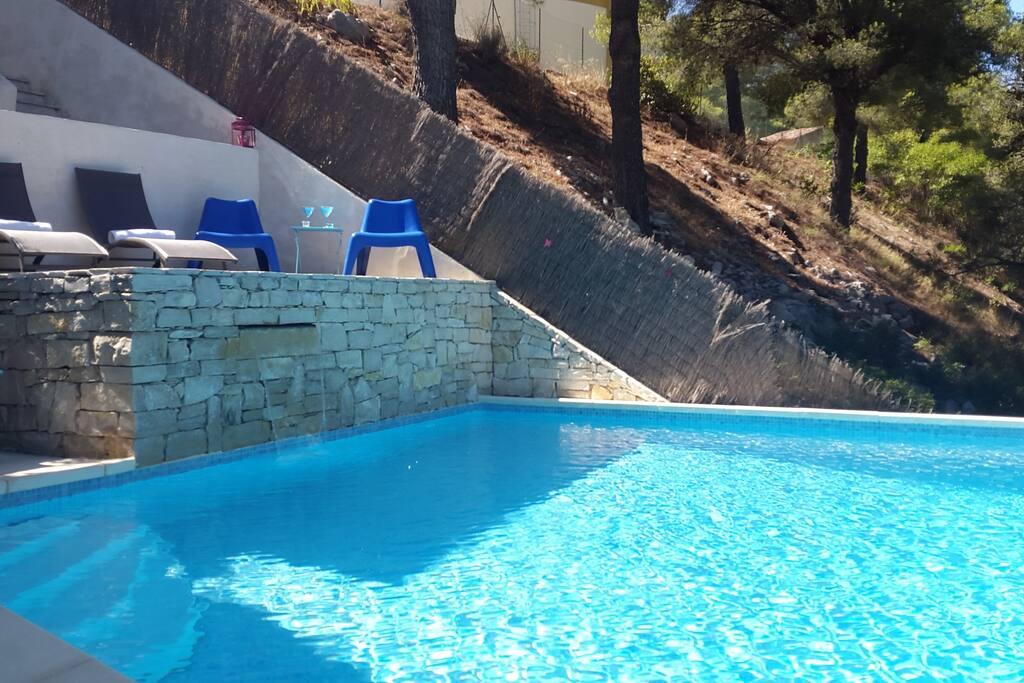 Appartement loft 86m2 avec piscine privative 4 6p for Piscine privative