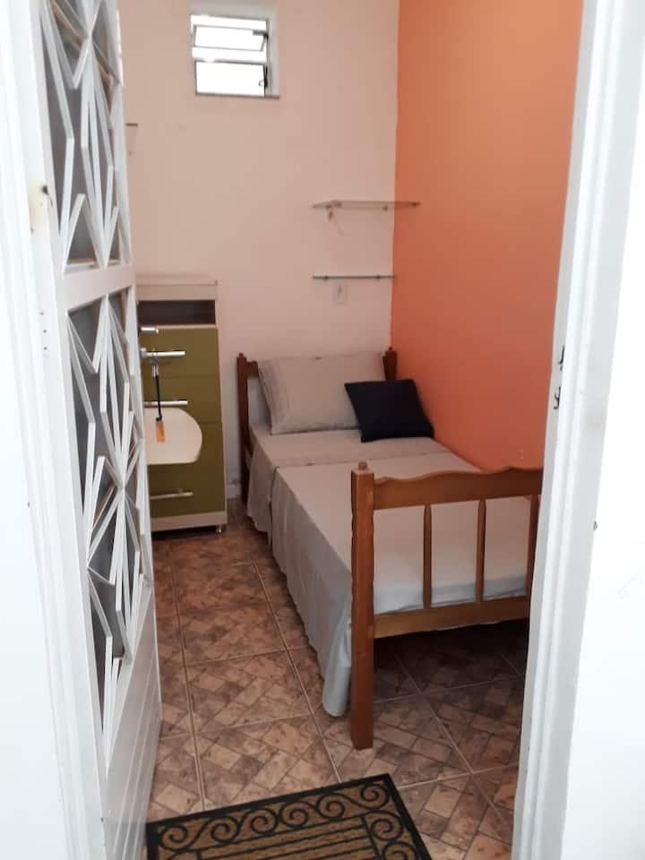 Quarto 4 Individual Hóstel 219 Centro Niterói RJ