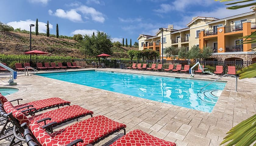 Upscale Napa Resort and Spa (1 Bedroom)