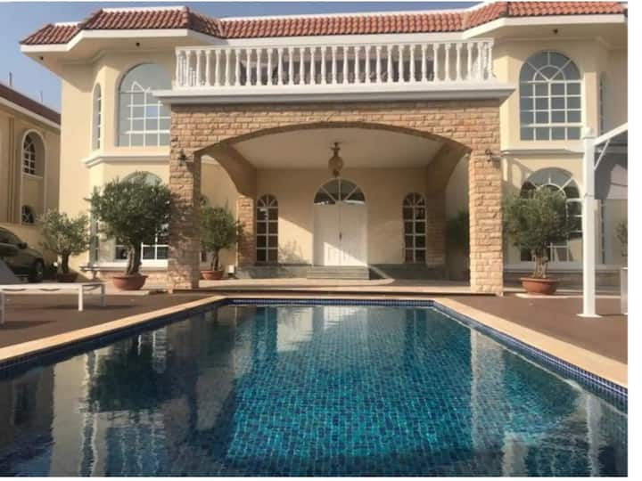 """Luxury Home Villa 5 Bedrooms with Private Pool"""