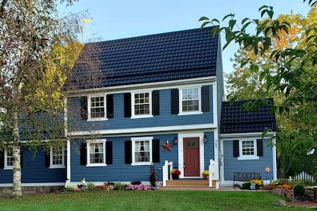 The Blue Saltbox Country Home