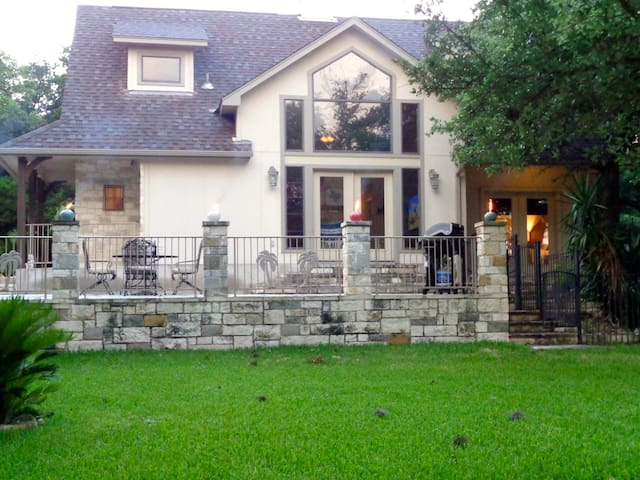 Welcome to our Hill Country Hideaway!