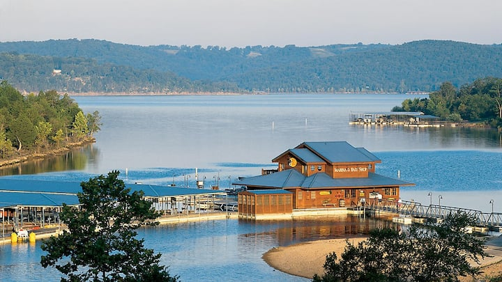 Ozark Resort fall weekend  10/9-11