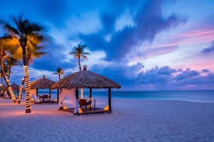 Aruba Resort: 50 % discount special - Eagle Beach, Aruba