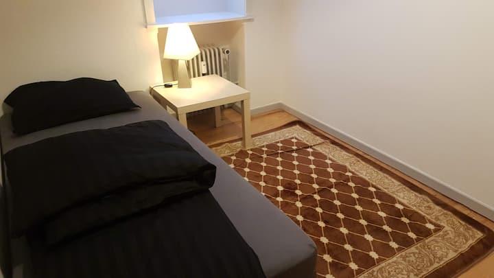 Et værelse  tæt på  Randers Center