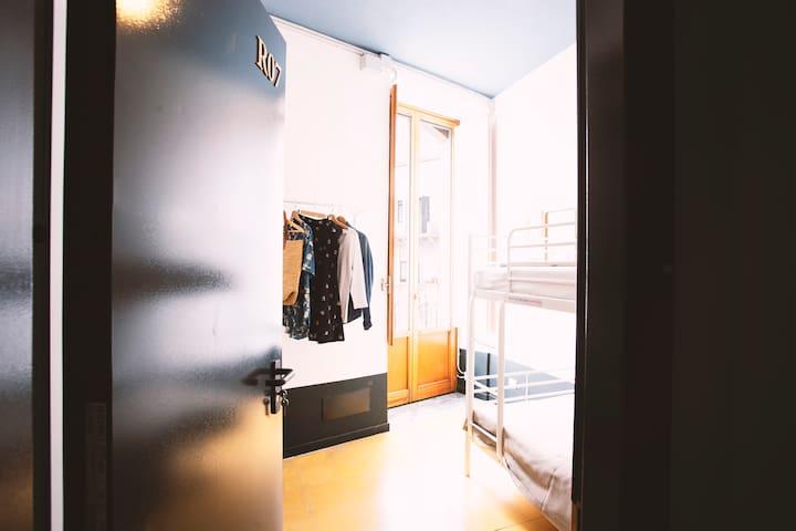 Single/Double Room Shared Bathroom @Sanvito Hostel