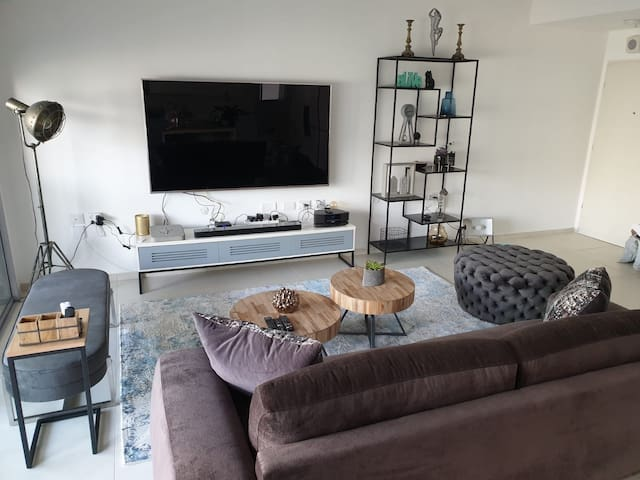 Private room in luxurious apartment in TLV