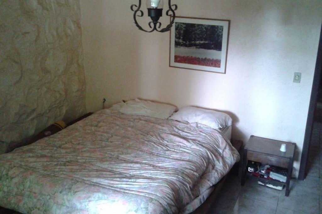 Quarto 1 cama casal