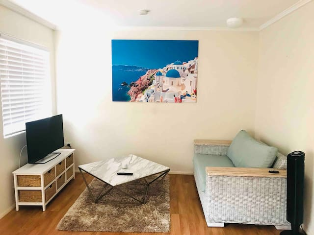 Awesome one bedroom apartment in Mermaid Beach
