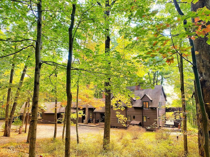 Ashewood Magical Retreat in Woods- mins from town