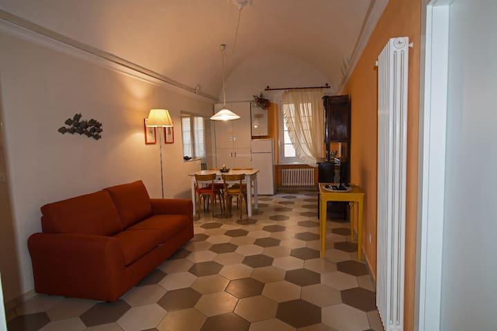 Appartamento di charme in centro storico a Pietra - Pietra Ligure - Leilighet