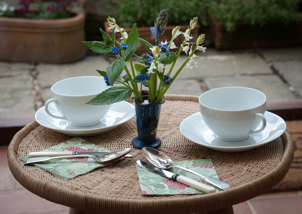 All you need for a simple breakfast in the conservatory